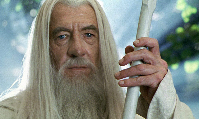 gandalf-lord-of-the-rings-christmas-netflix