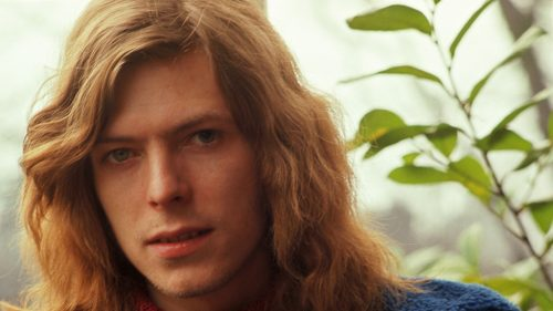 Johnny Flynn as a young David Bowie