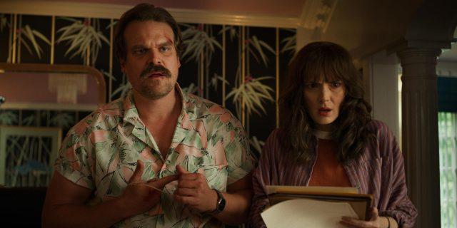 Stranger-Things-3-cast-Winona-and-Hopper