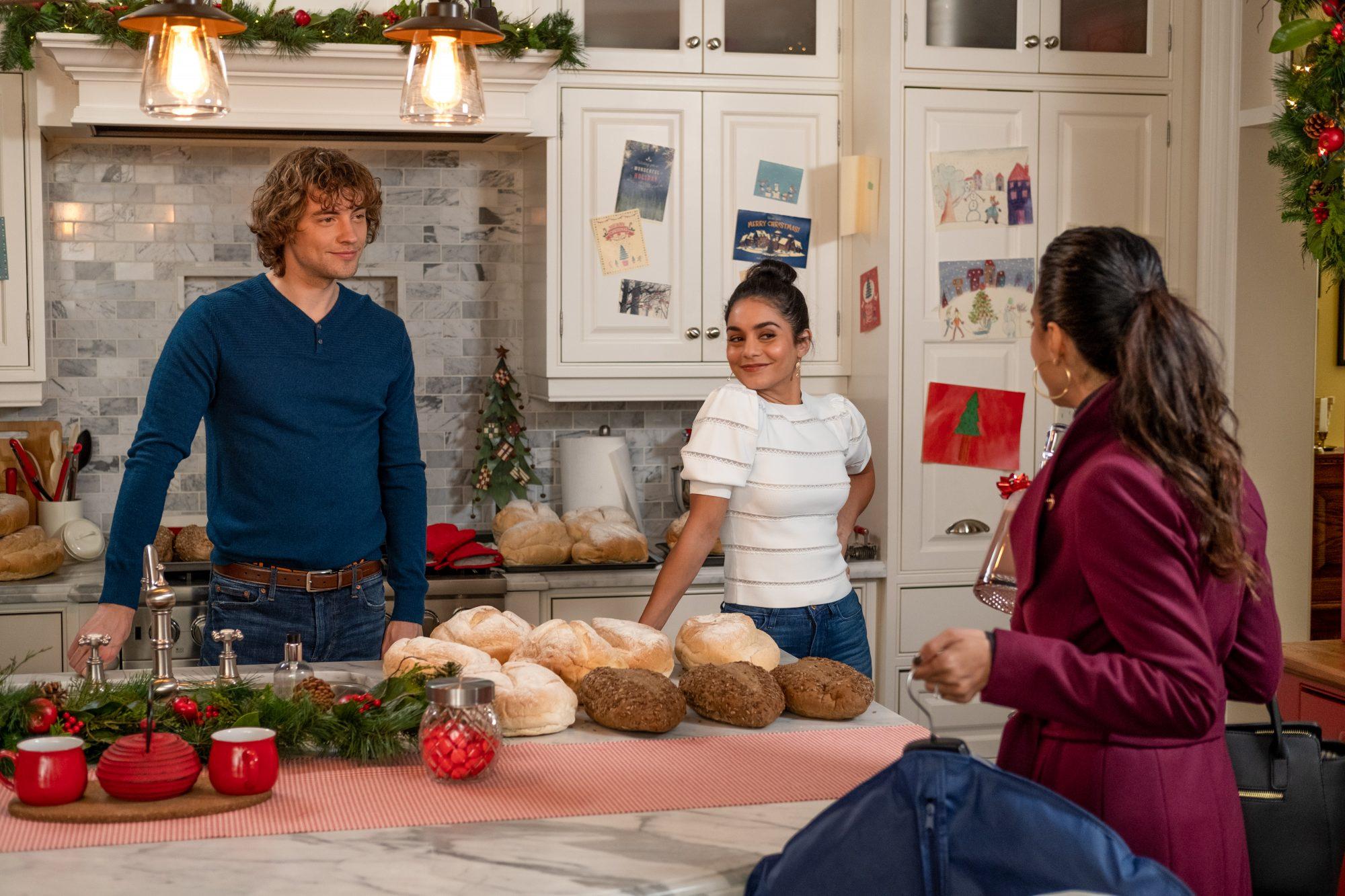 The Knight Before Christmas - Josh Whitehouse, Vanessa Hudgens, Emmanuelle Chriqui